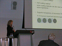 Heidi Moser, DSM, presented combinations of self-tanning active ingredients with modern inorganic UV filters.