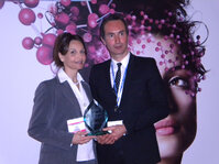 Nouha Domloge and Joël Mantelin accepted the bronze for In-Cosmetics' Innovation Zone Best Ingredient Award on behalf of International Specialty Products (ISP).