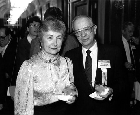 Betty Lou and Stan Allured, then president of the SCC, enjoy cocktails at an SCC event.