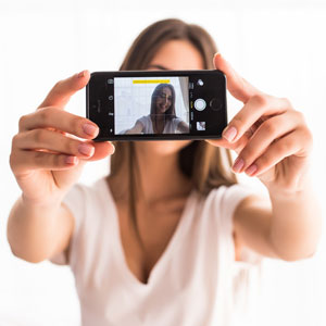 Hydration Detection as Simple as a Selfie?