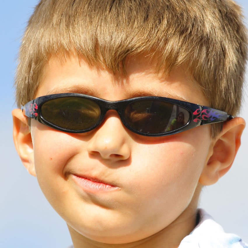 kid-smirk-sunglasses-850